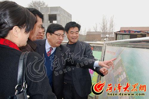 牡丹区教育系统组团到单县参观学校建设