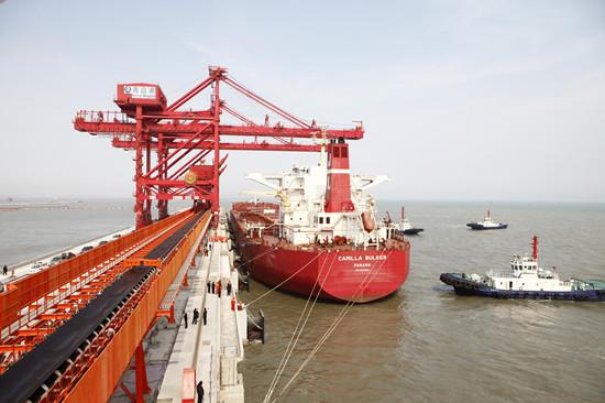 青岛董家口港区建成世界最大矿石码头