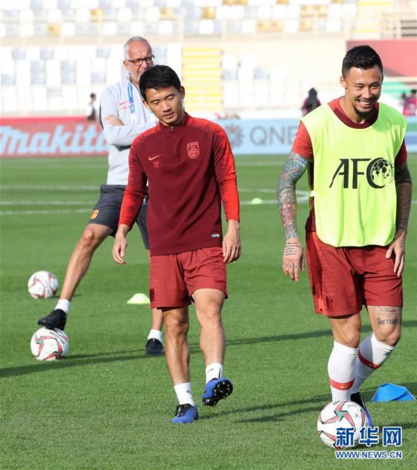 (亚洲杯)(7)足球——中国队进行赛前训练