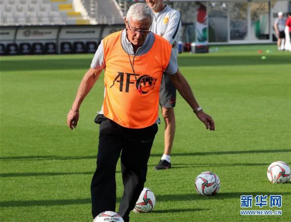 (亚洲杯)(5)足球——中国队进行赛前训练