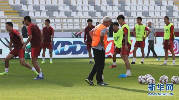 (亚洲杯)(6)足球——中国队进行赛前训练