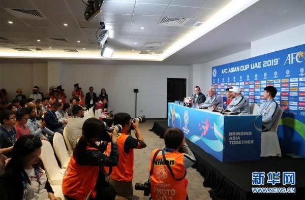 (体育)(4)足球——亚洲杯:中国队举行赛前新闻发布会