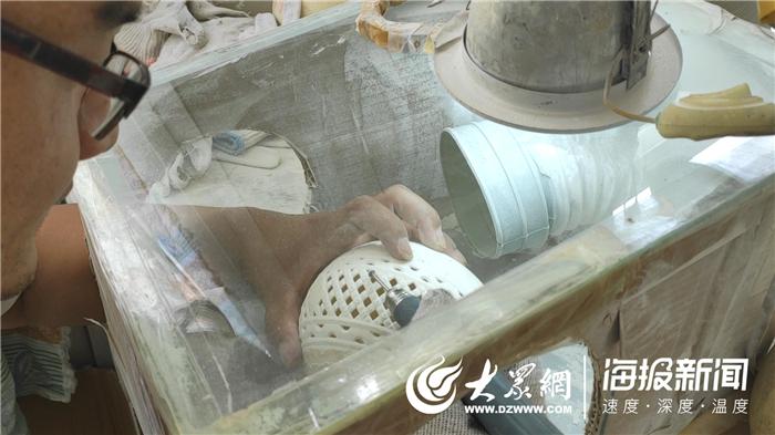 厉害了! 菏泽手艺人小蛋壳雕出唯美大世界